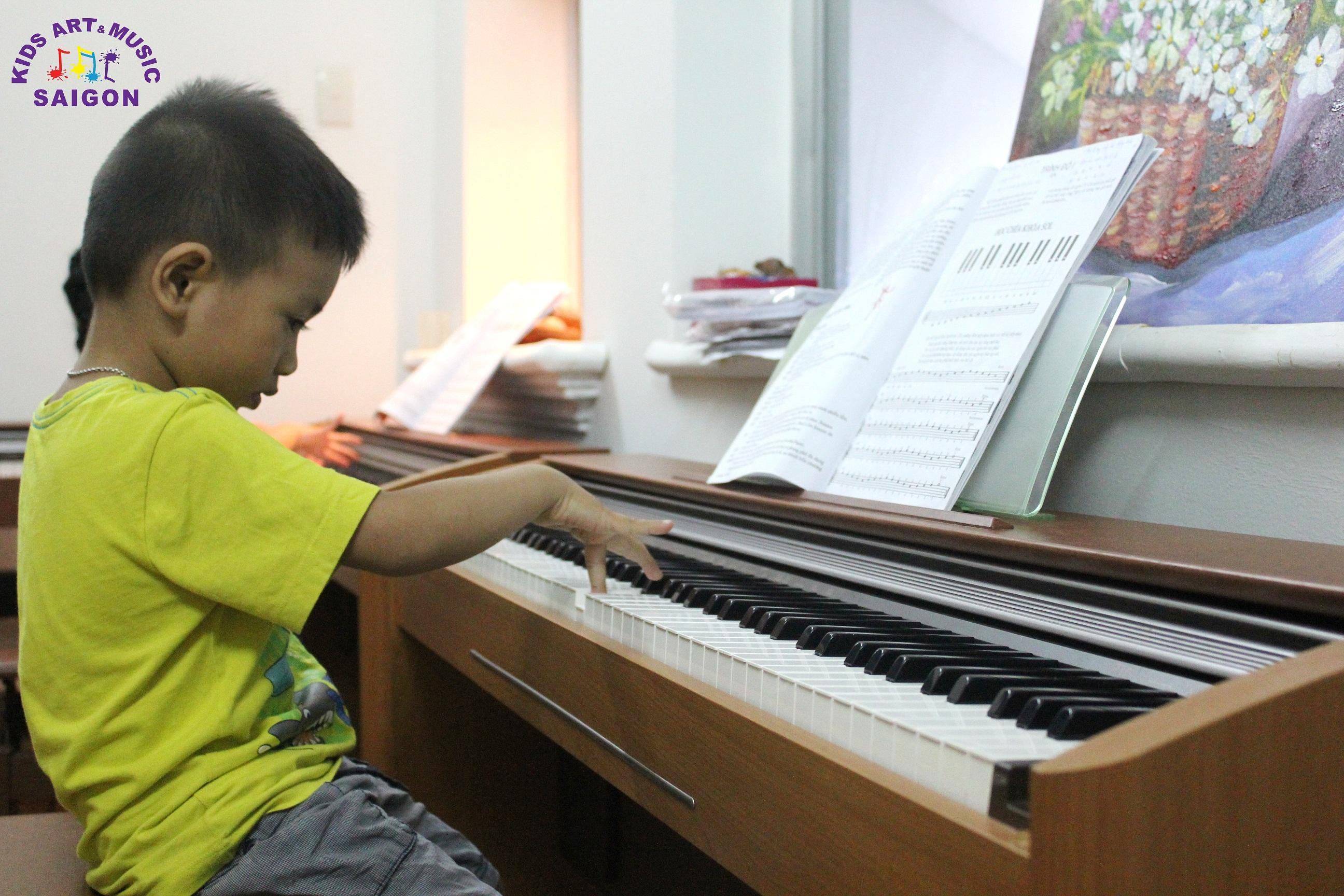 Học đàn Piano cho trẻ em tại Kids Art & Music Saigon, cùng tìm hiểu nhé! hình ảnh 7