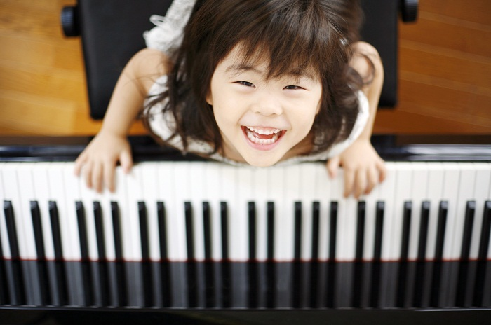 Những bí quyết chọn mua đàn piano cho bé ba mẹ nhất định phải biết