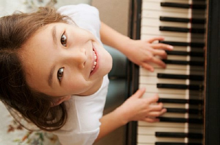 Trước khi cho trẻ học đàn piano, đây là những điều ba mẹ cần phải làm