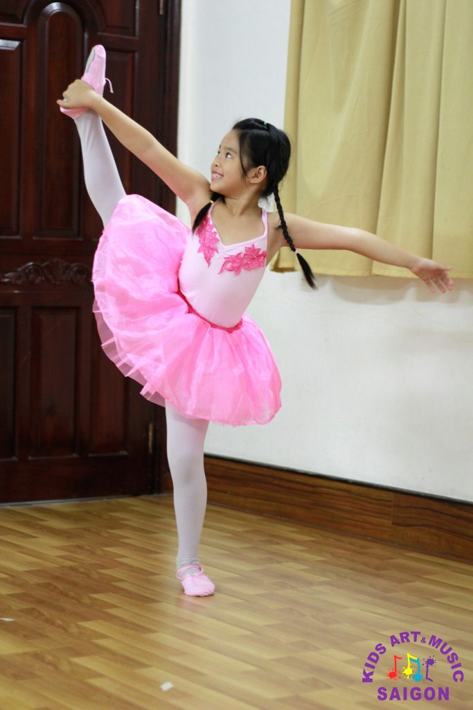 lop-mua-ballet-cho-be-hinh-anh4