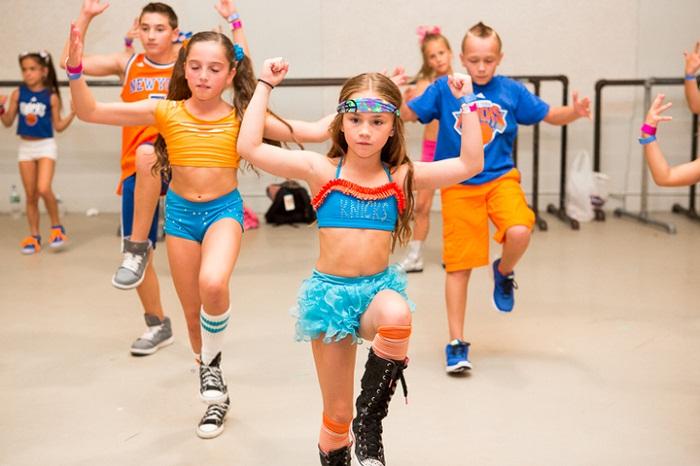 Những lý do tại sao bạn nên cho con học múa aerobic thiếu nhi trong mùa hè này - hình ảnh 2