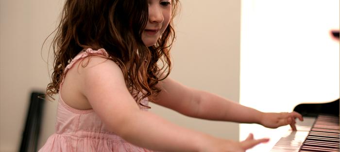 Bật mí cho ba mẹ cách chọn và mua đàn piano cho bé hình ảnh 2
