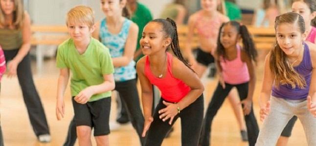 Tại sao ba mẹ nên cho con tham gia các lớp nhảy hiện đại?