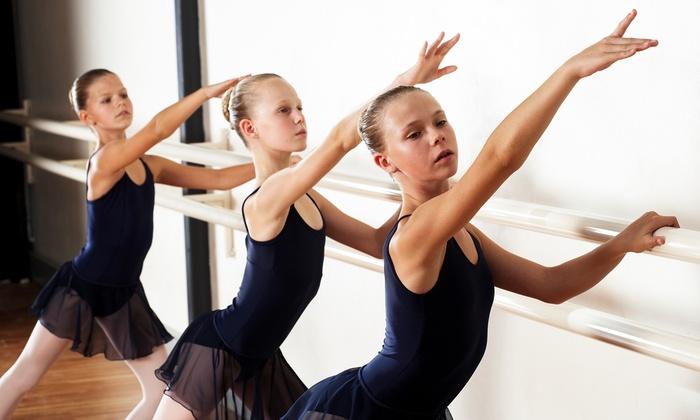 Những lợi ích không tưởng khi cho bé học múa ba lê