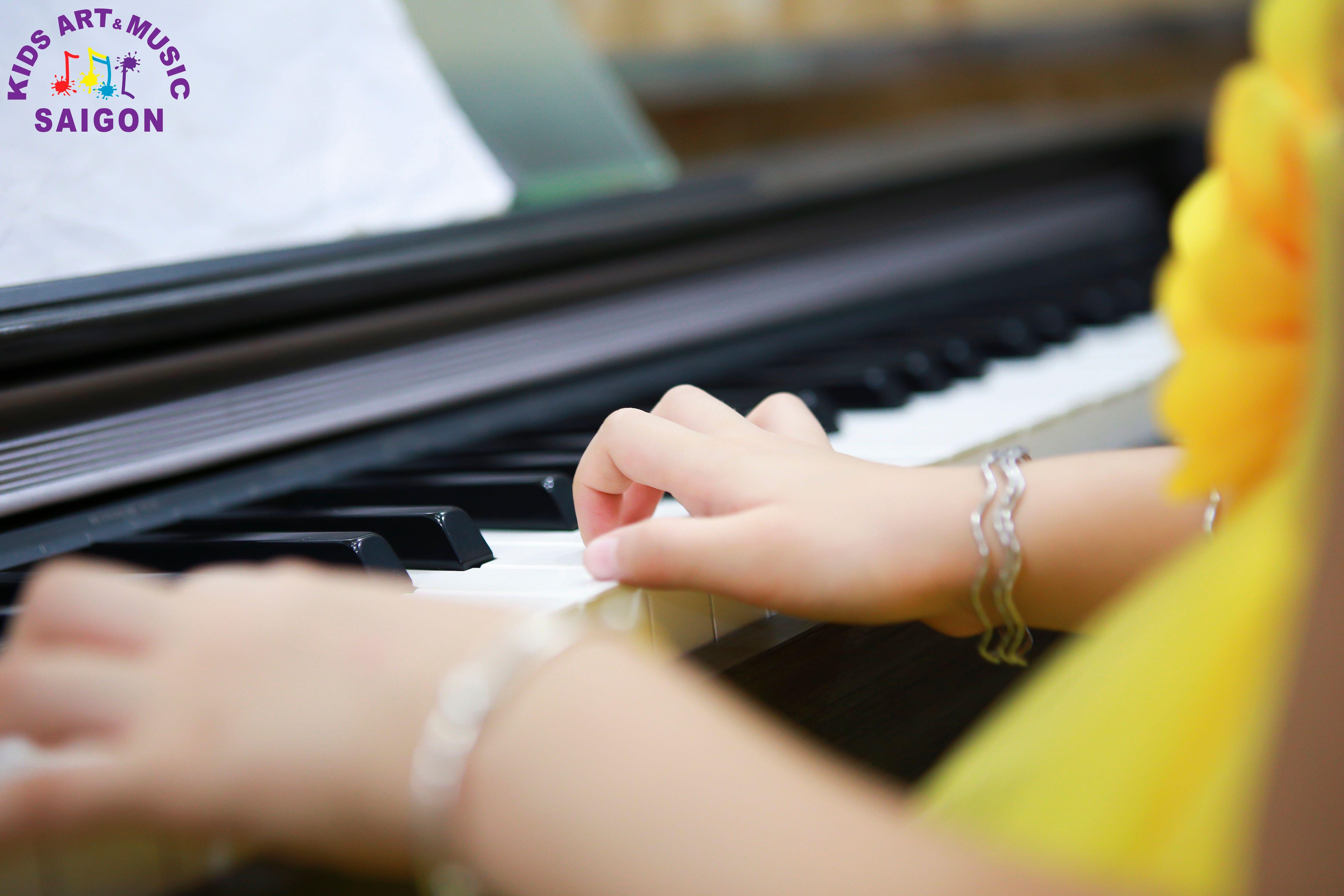 Học đàn Piano cho bé, làm thế nào để tìm được lớp chất lượng? hình ảnh 1
