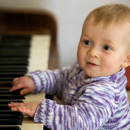 Học Piano quận 2 và tiêu chí để ba mẹ chọn lớp cho con