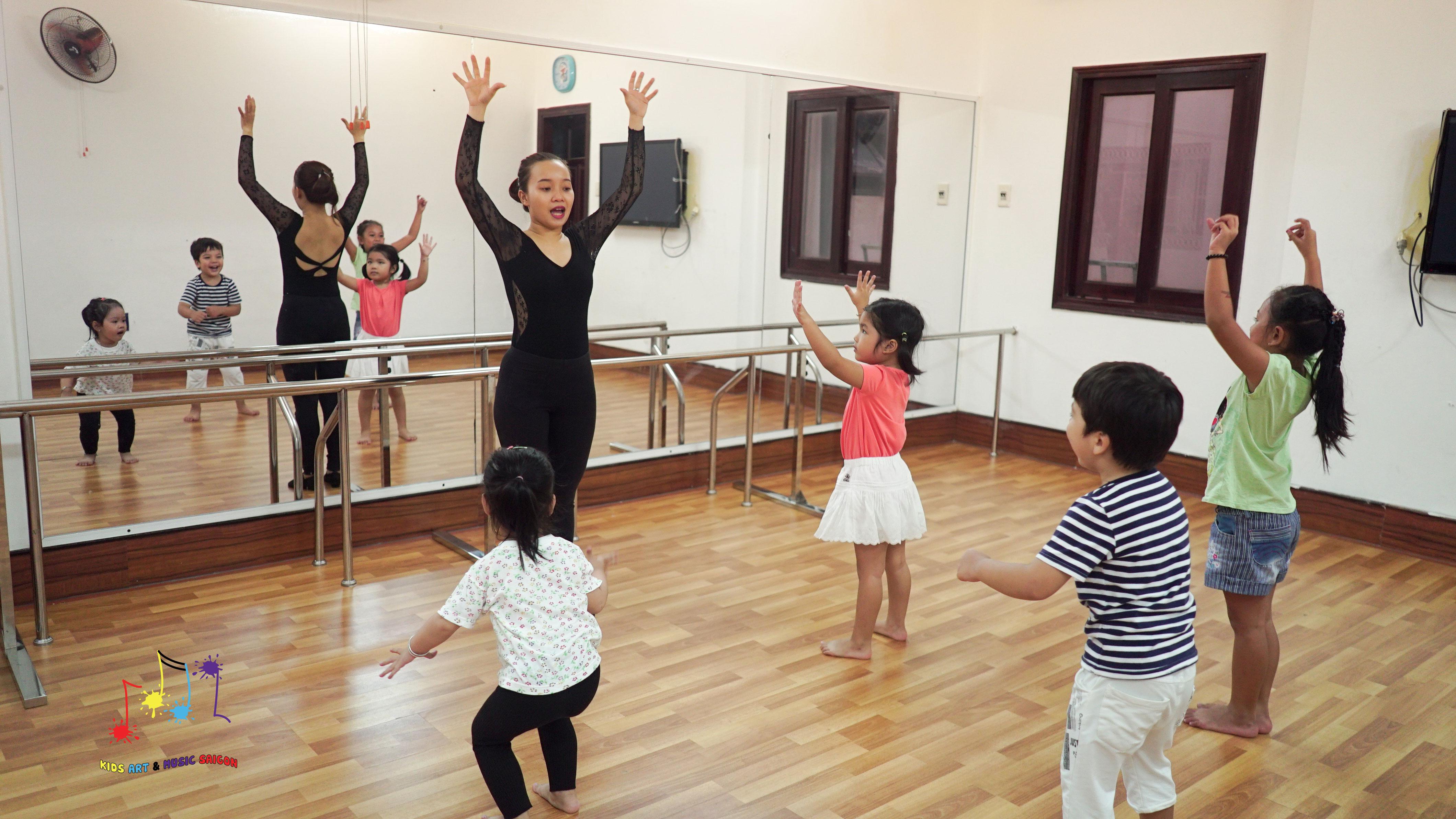 Chào mừng cơ sở ballet, aerobic, piano và vẽ cho trẻ em thứ 2 của Kids Art & Music - hình ảnh 3