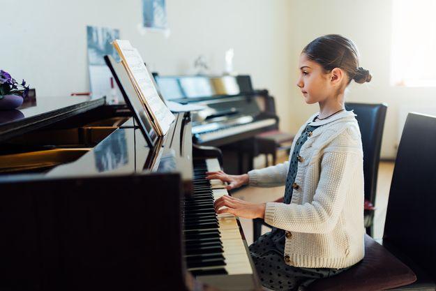 Hướng dẫn chi tiết cách chọn mua đàn piano cho trẻ - hình ảnh 3