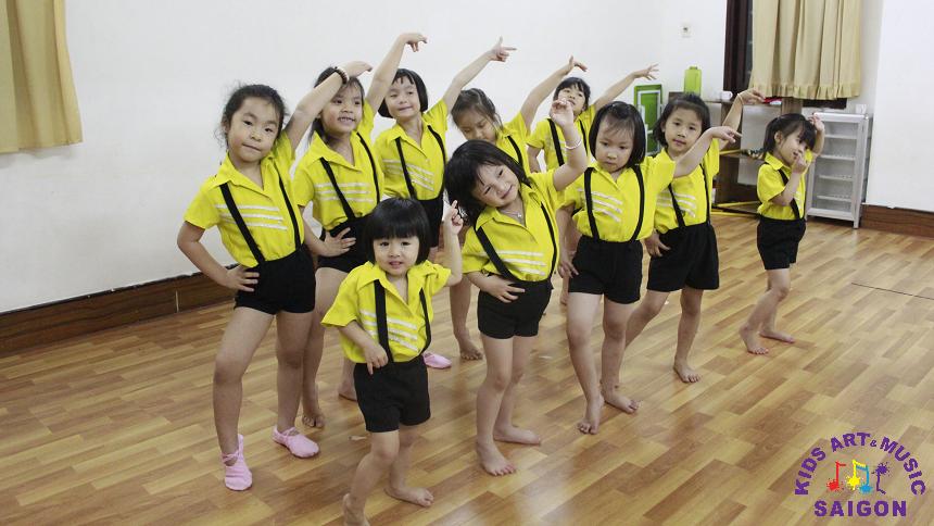 Tại sao ba mẹ nên cho con tham gia các lớp nhảy hiện đại? - hình ảnh 1