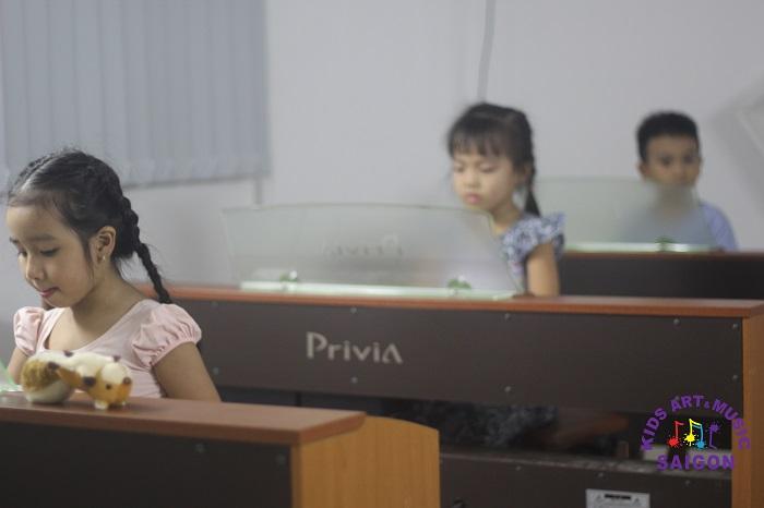 Cho bé học piano ở đâu tốt Hà Nội mới là sự lựa chọn đúng đắn và hợp lý?