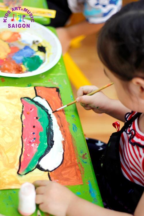 Hãy cho trẻ tham gia lớp dạy vẽ trẻ em