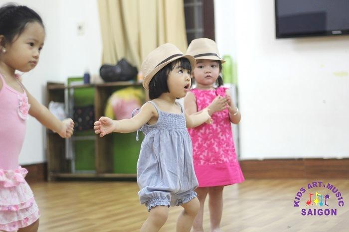 Tại sao học nhảy hiện đại TPHCM được các bạn trẻ đam mê theo đuổi?