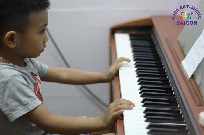 Có nên cho trẻ học Piano ở nhạc viện Hà Nội để đào tạo thanh nhạc hay không?
