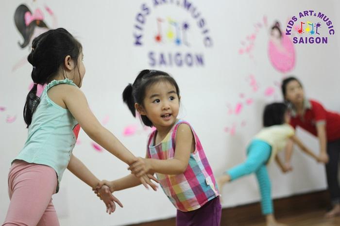 Lý do tại sao nên đăng kí các lớp học nhảy hiện đại tại TPHCM?