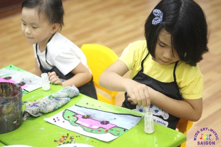 Những bước đơn giản để tạo một bức tranh xé dán của trẻ mầm non