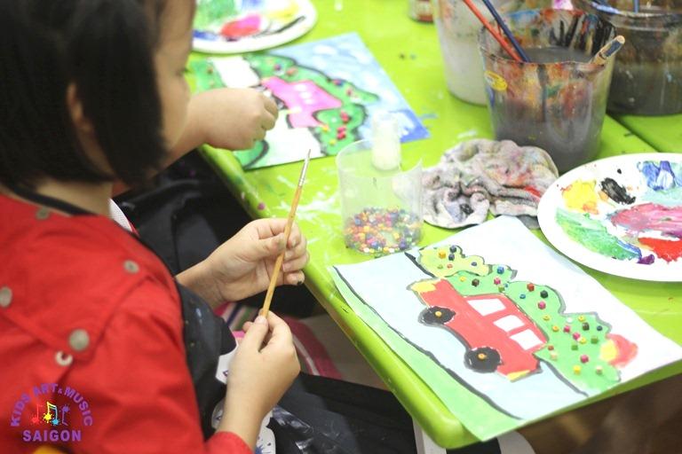 Những bức tranh được vẽ đầy sáng tạo từ lớp dạy vẽ trẻ em