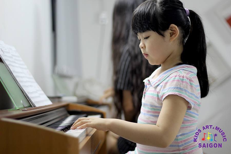 Chia sẻ kinh nghiệm chọn mua đàn Piano điện cho bé - hình ảnh 2