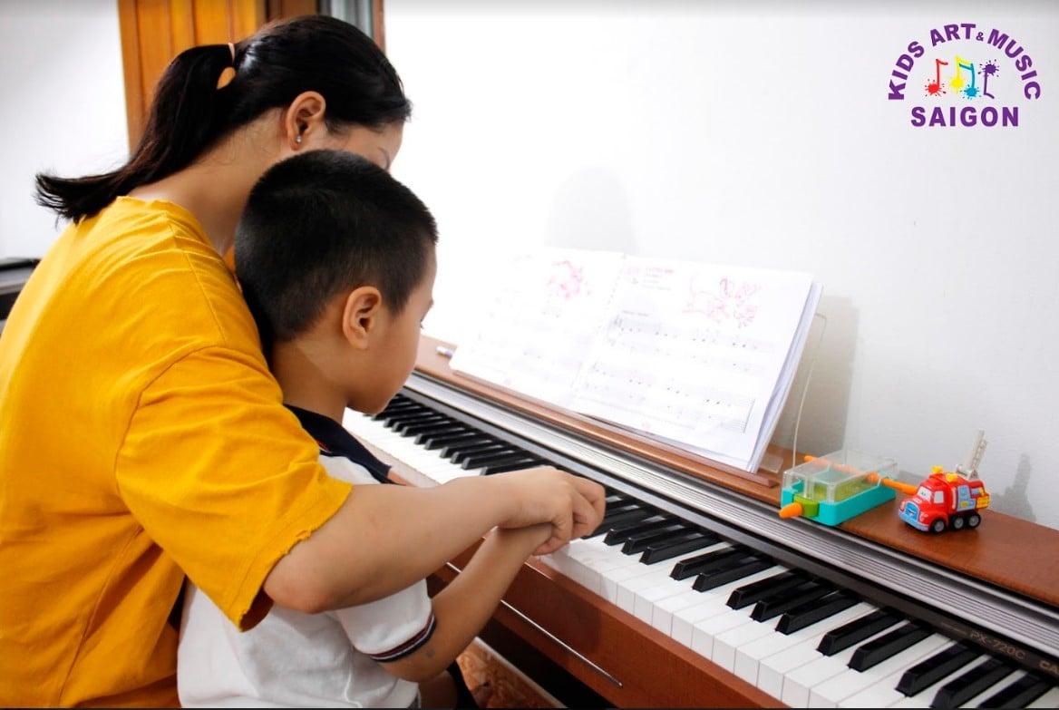 Học đàn Piano cho trẻ em tại Kids Art & Music Saigon, cùng tìm hiểu nhé! hình ảnh 4