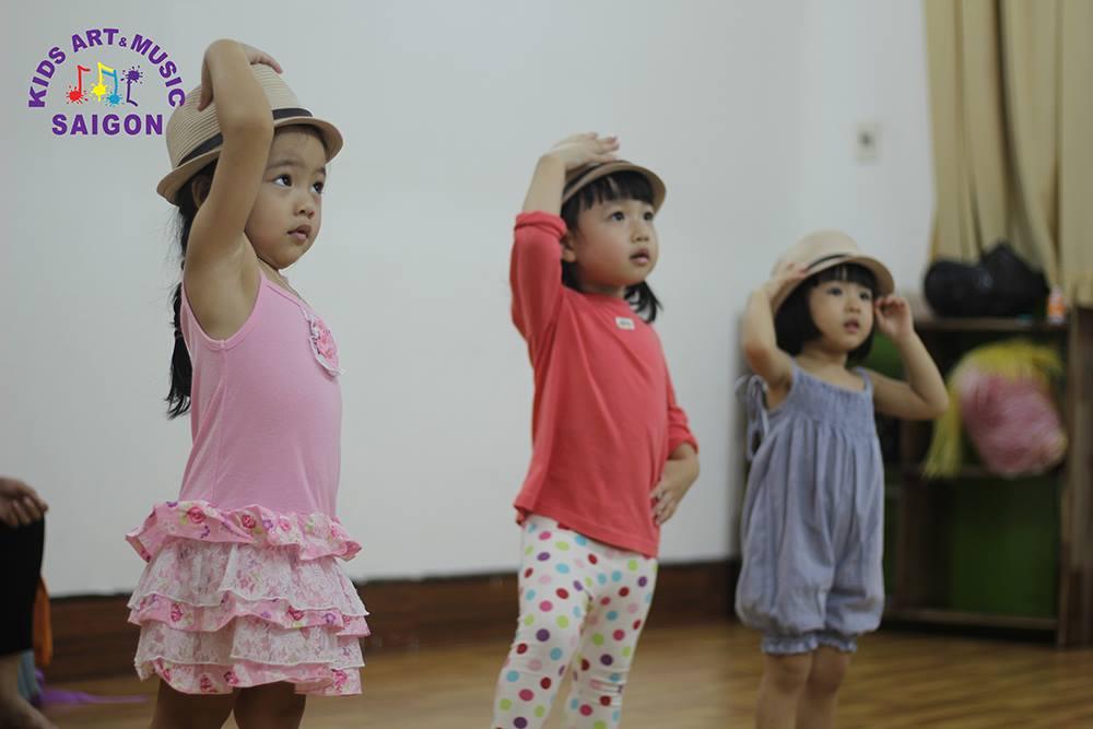 Vì sao ba mẹ nên cho bé tham gia lớp Aerobic cho trẻ?