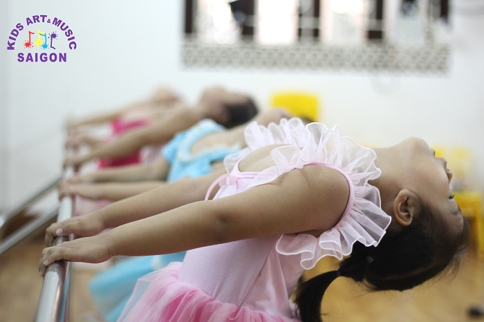 Lớp học múa ở cung thiếu nhi Hà Nội nơi rực cháy với những đam mê