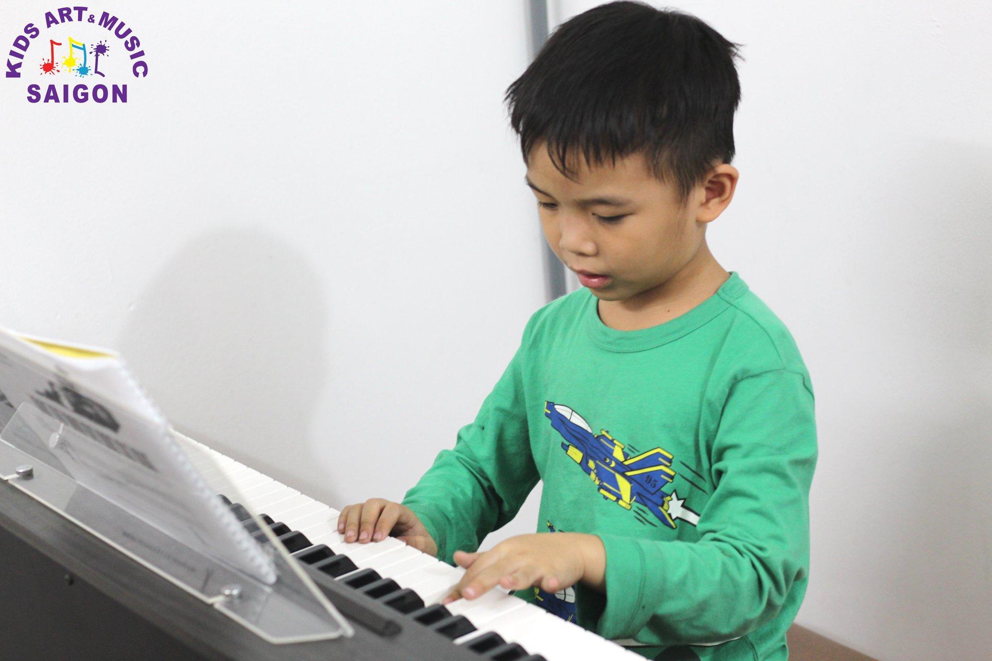 Học đàn Piano cho trẻ em tại Kids Art & Music Saigon, cùng tìm hiểu nhé! hình ảnh 9