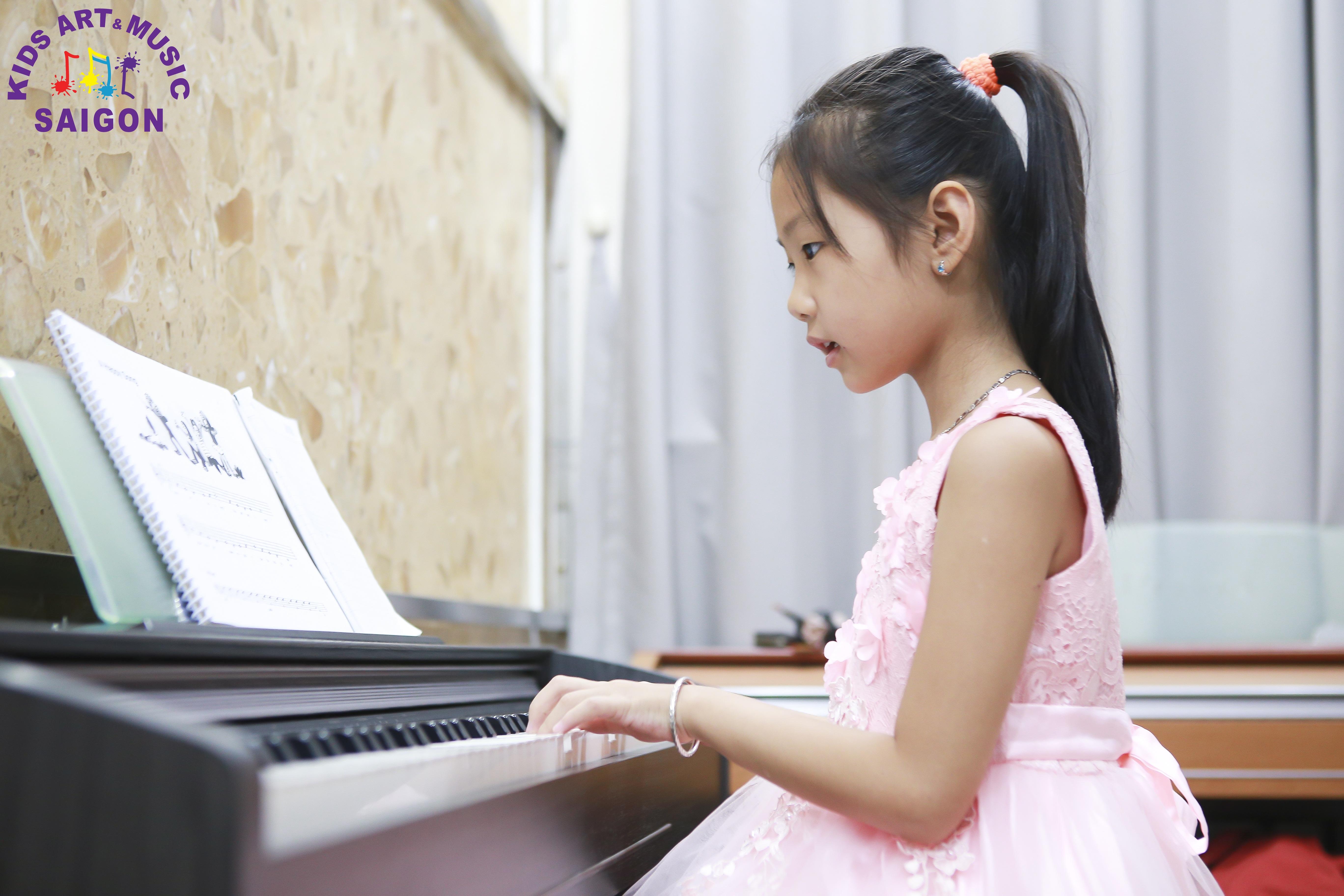 Học đàn Piano cho trẻ em tại Kids Art & Music Saigon, cùng tìm hiểu nhé! hình ảnh 6