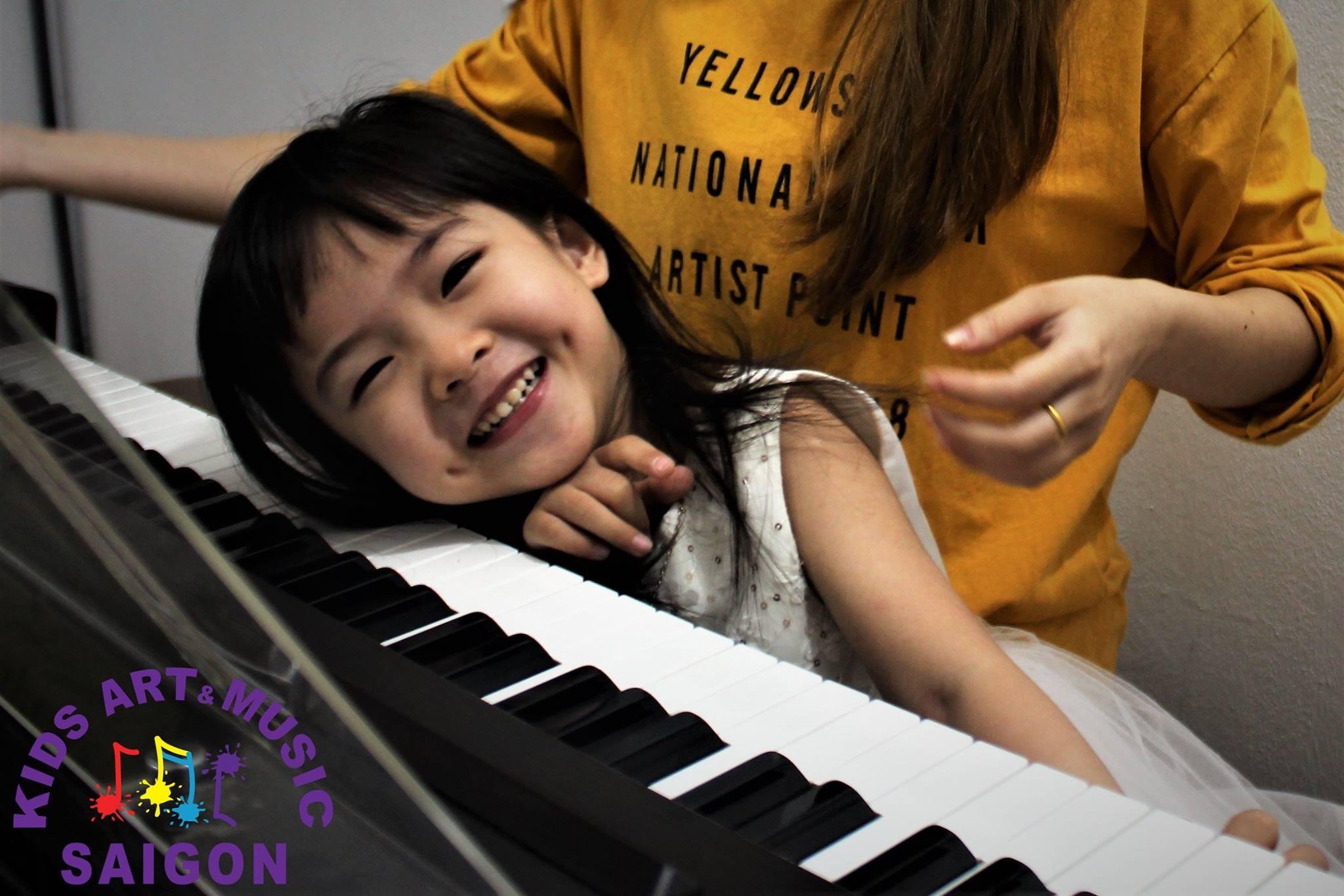 Chia sẻ kinh nghiệm chọn mua đàn Piano điện cho bé - hình ảnh 1