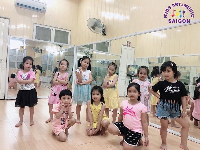 Nhảy aerobic thiếu nhi tiểu học – Bộ môn vận động đầy năng lượng