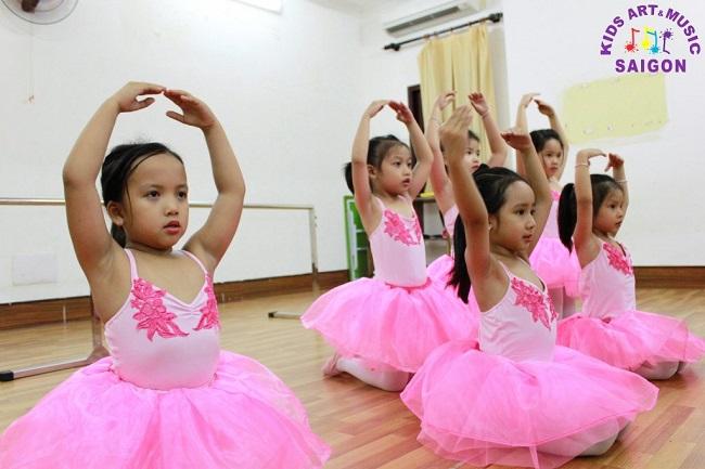 Hướng dẫn cha mẹ chọn lớp nhạc múa hay cho con hình ảnh 2