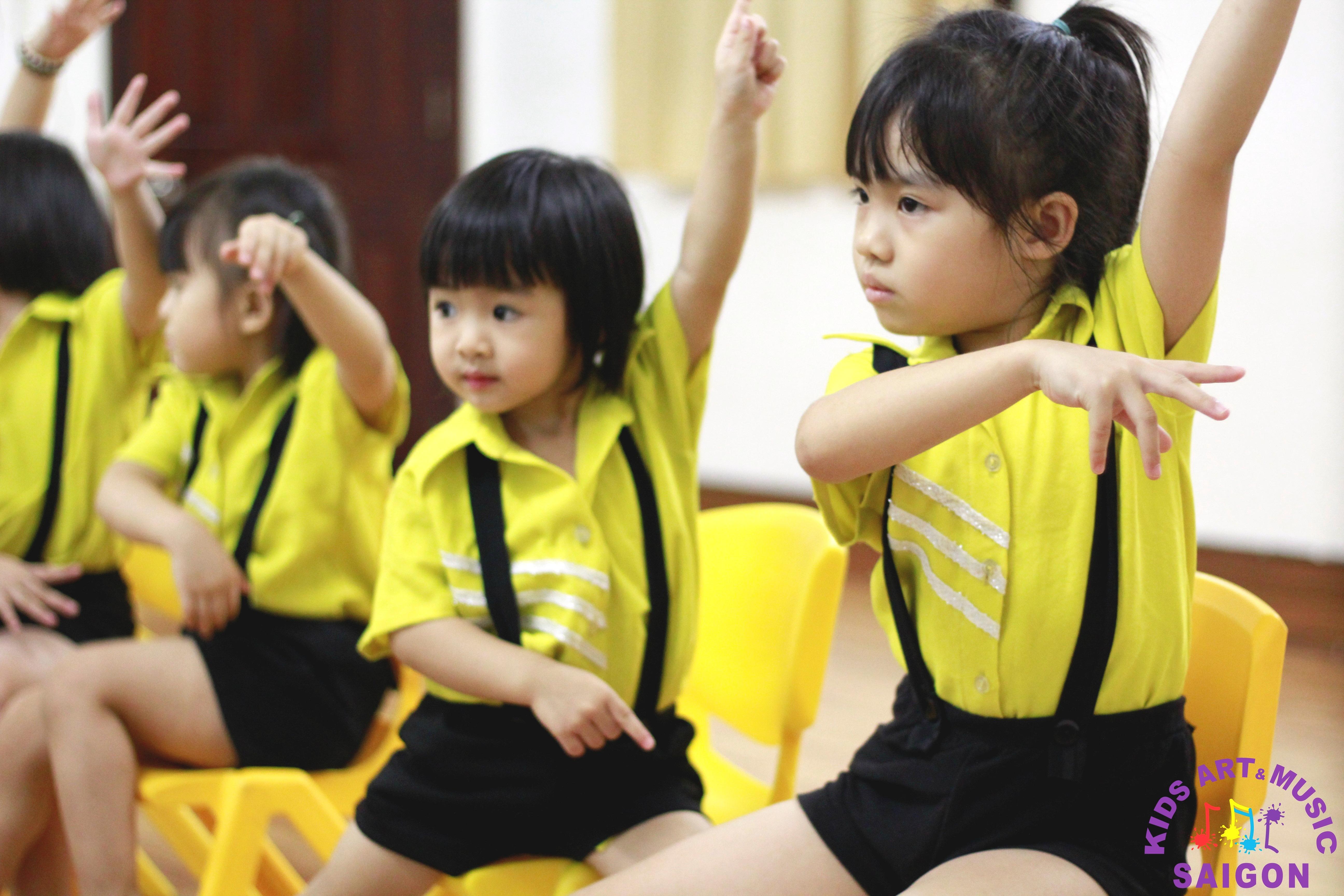 Nhún nhảy cùng điệu nhạc aerobic mầm non hình ảnh 2