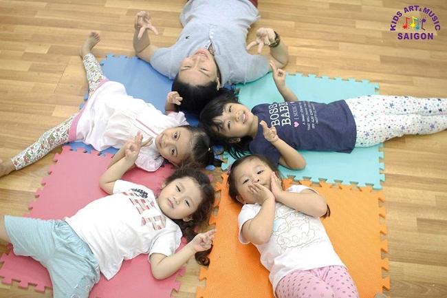Hứng thú luyện tập Aerobic trên nền nhạc nhảy aerobic thiếu nhi hình ảnh 2