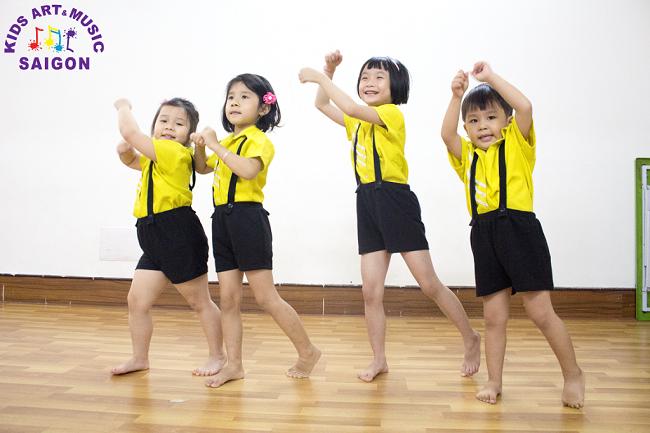 Lý do tại sao ba mẹ nên cho trẻ đến phòng tập Aerobic