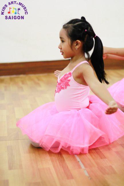 Các lớp múa ballet cho bé ở Bình Dương có gì thú vị? hình ảnh 3