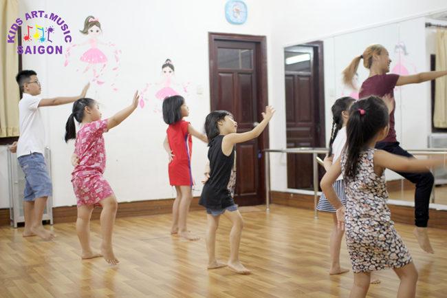 Lớp nhảy aerobic thiếu nhi tiểu học ở bình dương hình ảnh 1