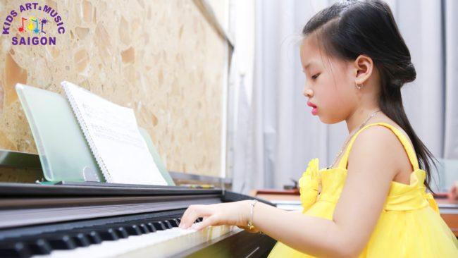 Lớp học đàn piano ở Bình Dương cho trẻ em hình ảnh 1