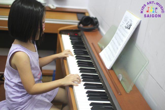Lớp học đàn piano ở Bình Dương cho trẻ em hình ảnh 2
