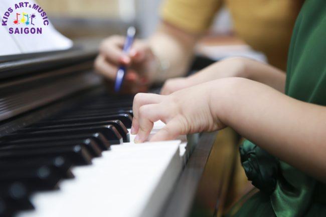 Lớp học đàn piano ở Bình Dương cho trẻ em hình ảnh 3