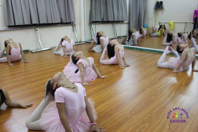 Tìm kiếm địa điểm dạy múa ballet cho bé ở Bình Dương hình ảnh 2