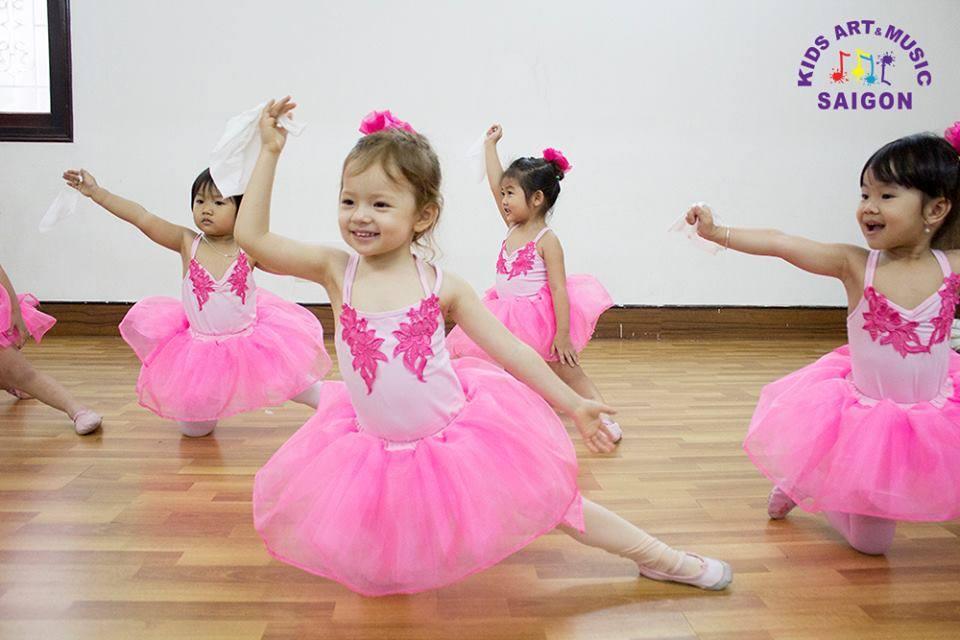 Lớp học múa Ballet cho bé - Kids Art & Music Saigon hình ảnh 3