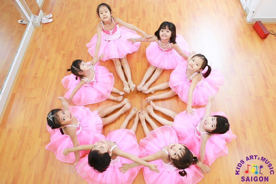 Lớp học múa Ballet cho bé - Kids Art & Music Saigon hình ảnh 1