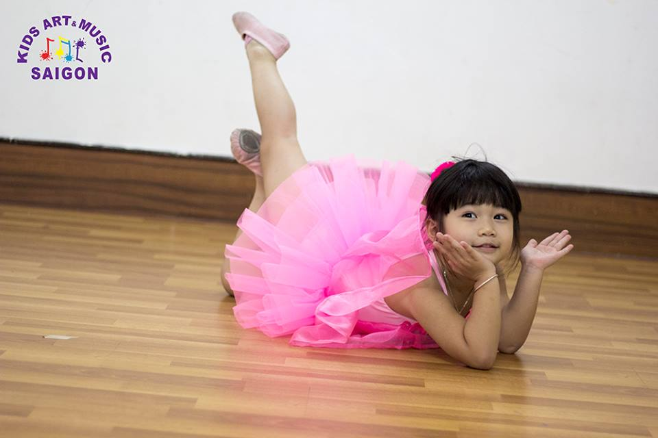 Lớp học múa Ballet cho bé - Kids Art & Music Saigon hình ảnh 2