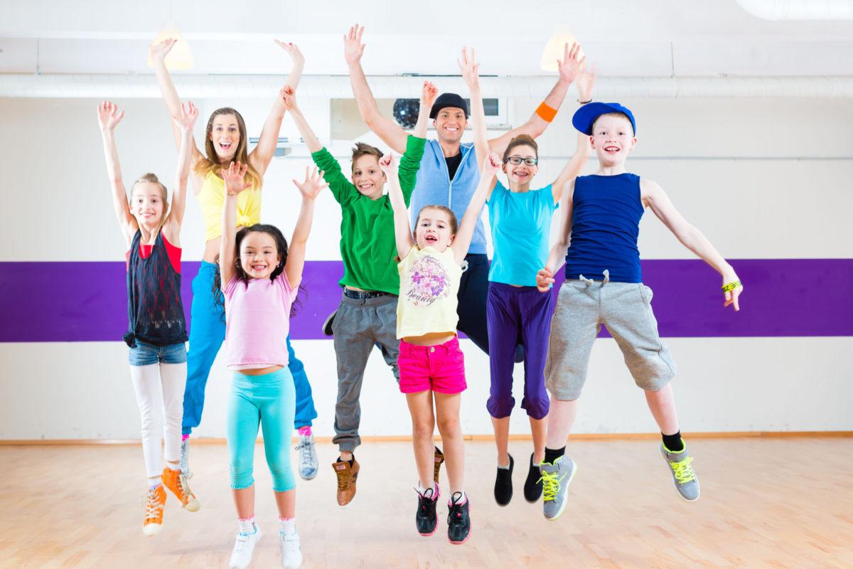 Mách nhỏ bí quyết chọn trang phục nhảy aerobic hiện đại ở quận Hoàng Mai Hà Nội cho trẻ
