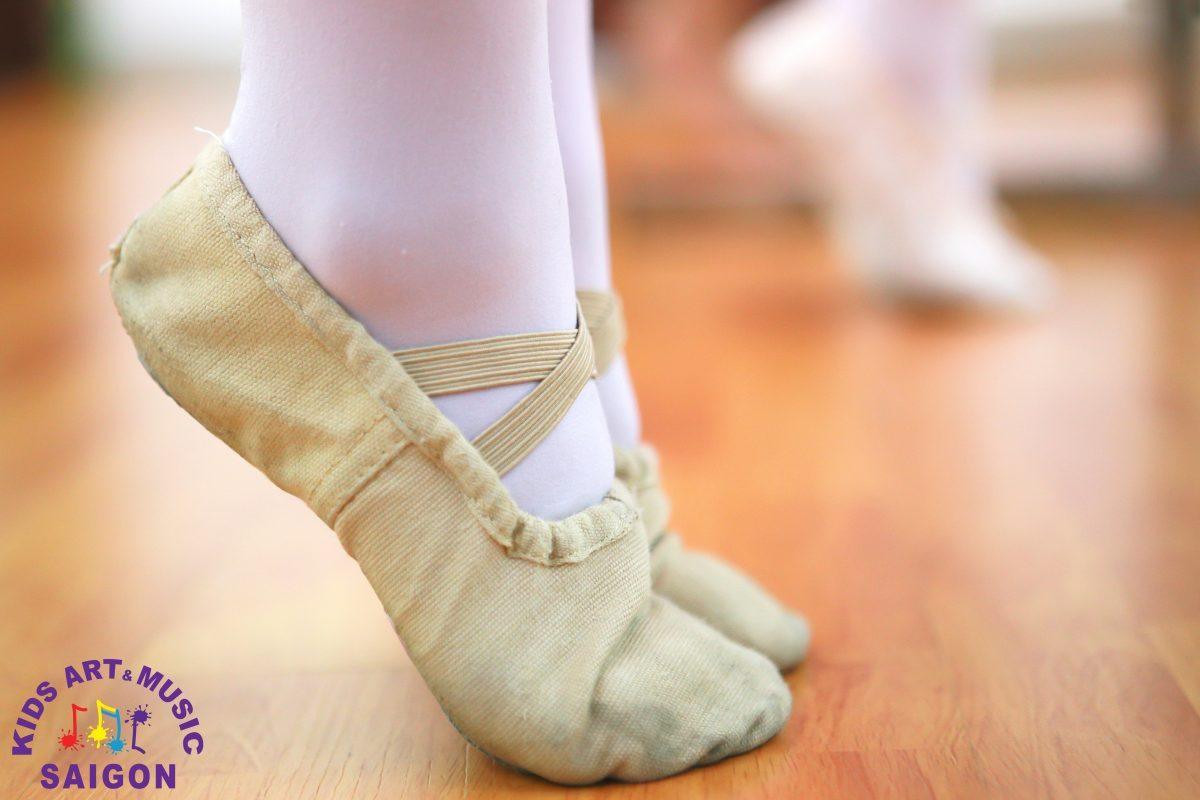 Cách may giày múa Bale cho bé cực đơn giản dành cho ba mẹ