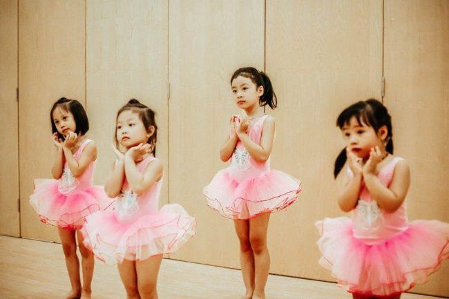 Mách nhỏ ba mẹ bí quyết chọn váy Ballet đẹp cho bé