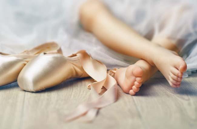 Ba mẹ đã biết cách chọn giày ballet phù hợp cho bé chưa?
