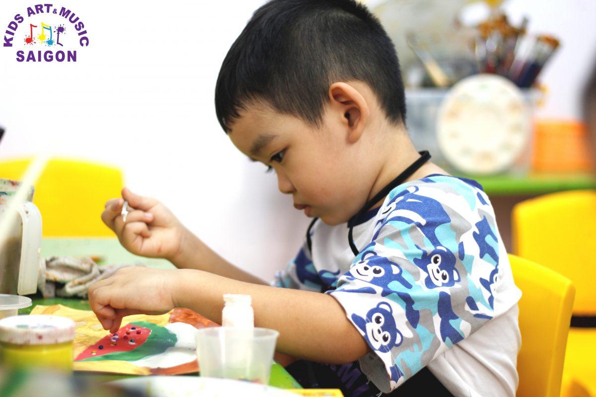 Dạy vẽ cho trẻ kỹ năng tô màu bằng sáp dầu cực đẹp