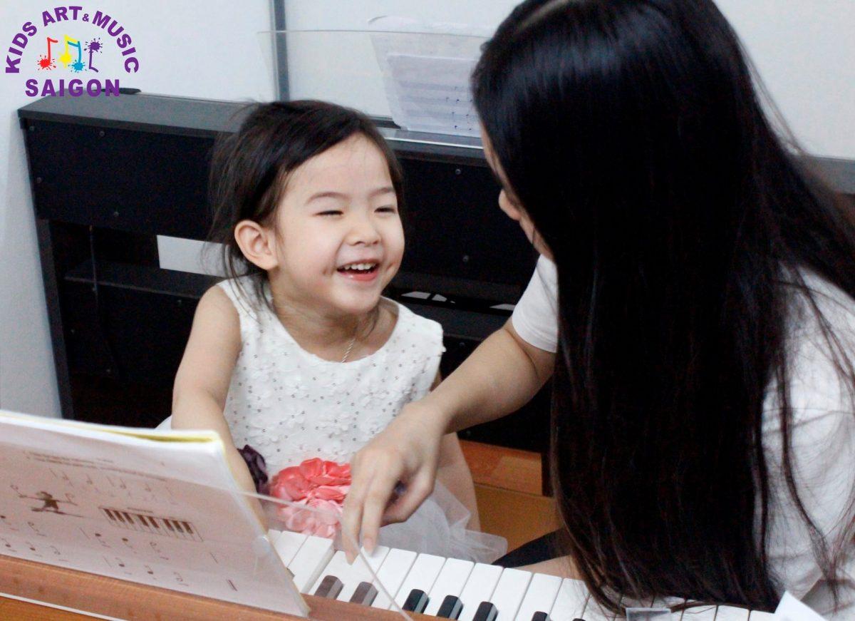 Tham khảo cách dạy đàn piano cho trẻ tại nhà hiệu quả