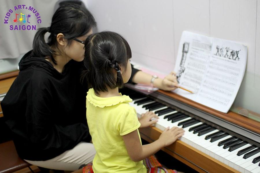 Gợi ý cho các bậc phụ huynh địa chỉ dạy đàn piano tại Hà Nội chất lượng
